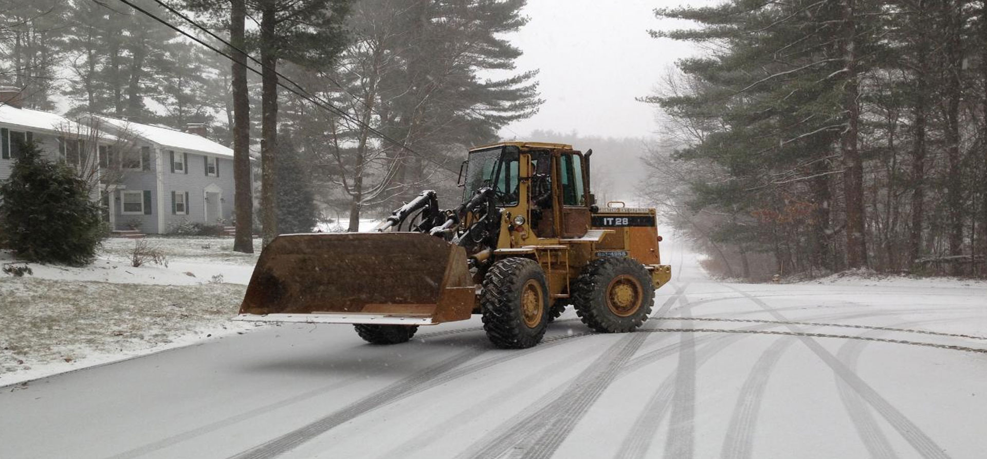 massachusettes-commercial-snow-plowing